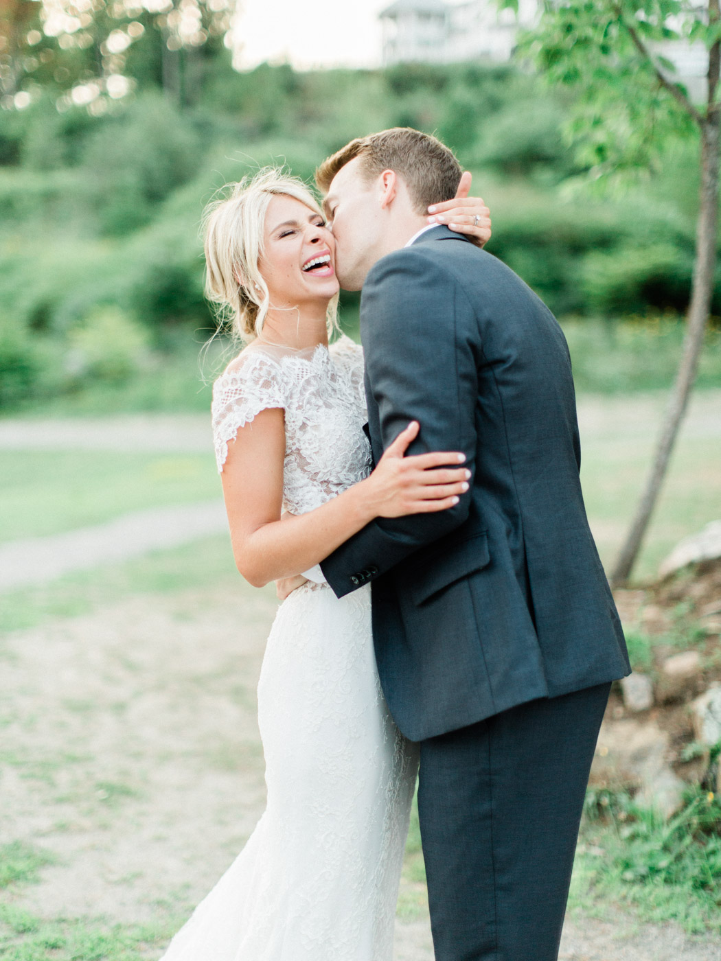 Toronto-Muskoka-wedding-photographer-summery-fun-documentary-the-marriott-rosseau123.jpg