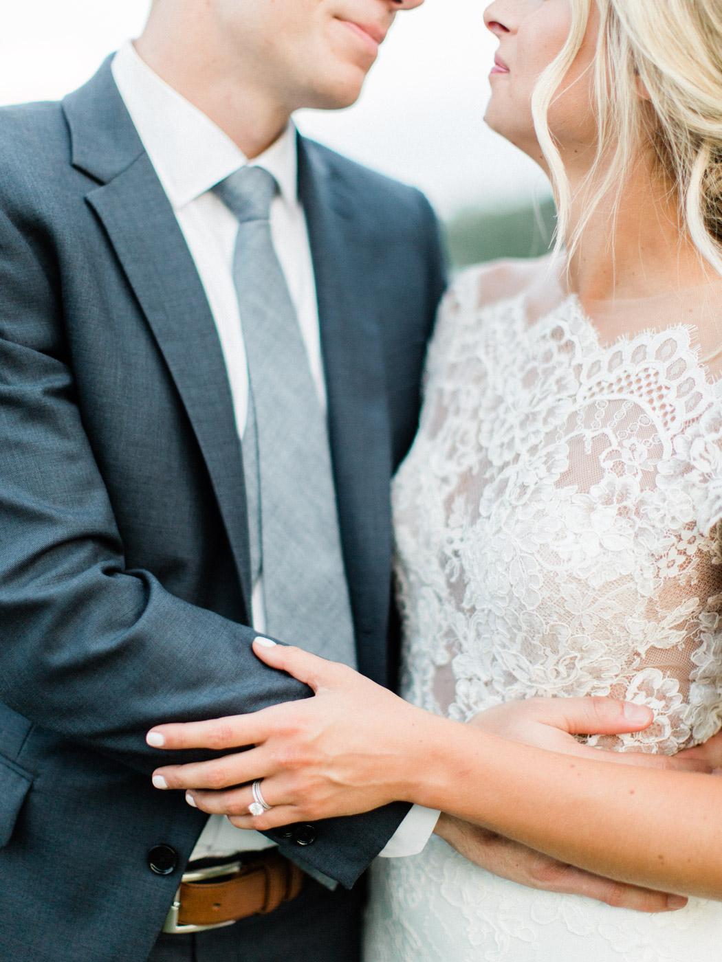 Toronto-Muskoka-wedding-photographer-summery-fun-documentary-the-marriott-rosseau124.jpg