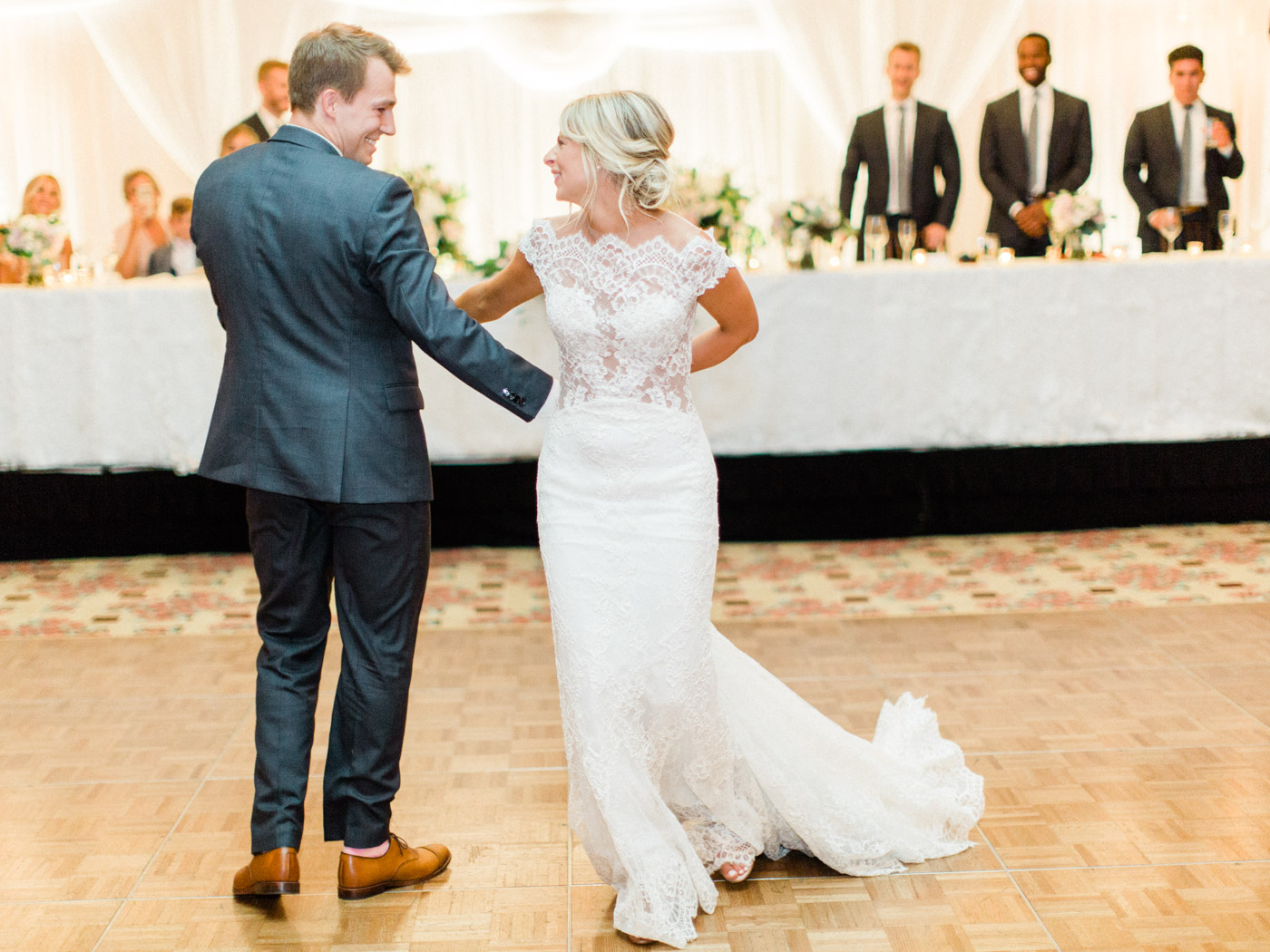Toronto-Muskoka-wedding-photographer-summery-fun-documentary-the-marriott-rosseau137.jpg