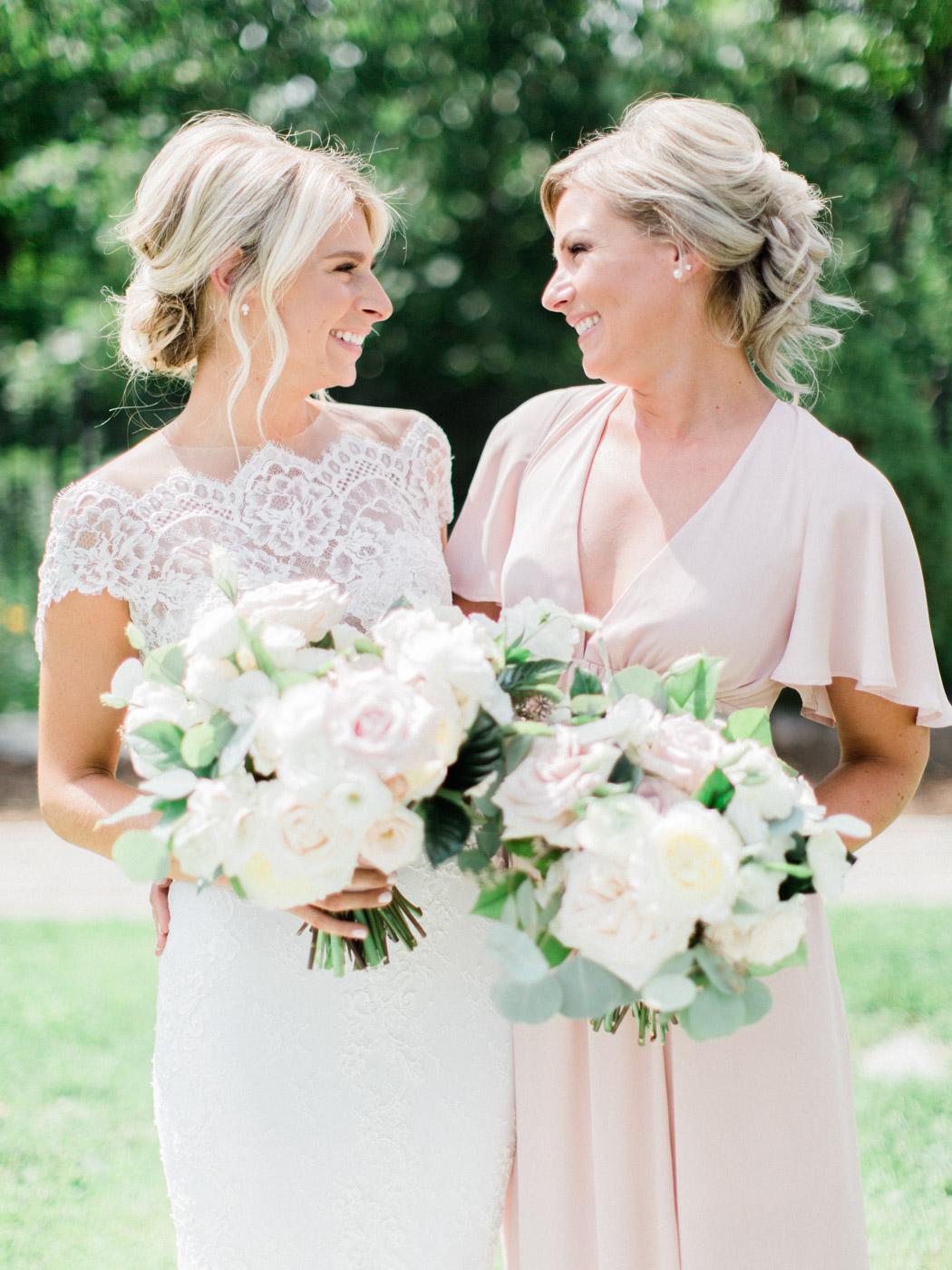 Toronto-Muskoka-wedding-photographer-summery-fun-documentary-the-marriott-rosseau43.jpg