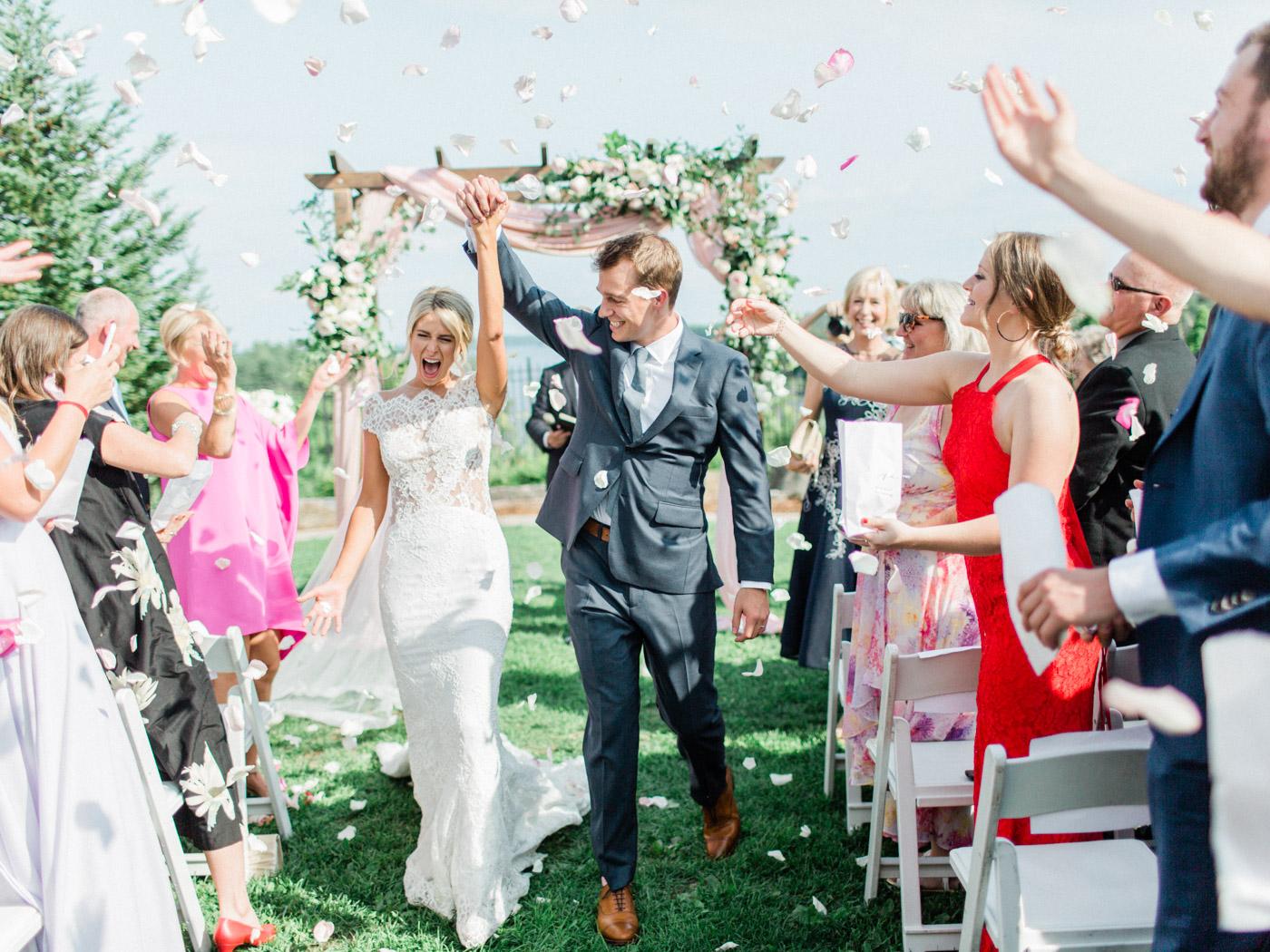 Toronto-Muskoka-wedding-photographer-summery-fun-documentary-the-marriott-rosseau88.jpg