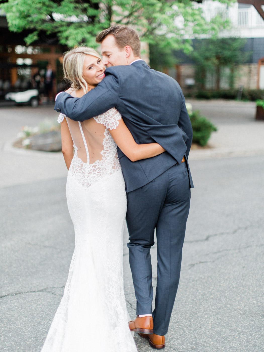 Toronto-Muskoka-wedding-photographer-summery-fun-documentary-the-marriott-rosseau104.jpg