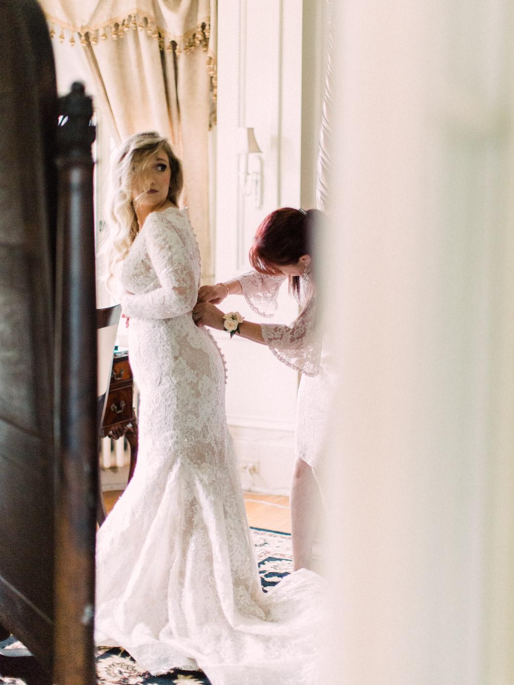 Toronto-wedding-photographer-intimate-classic-fine-art-elopement-ottawa19.jpg