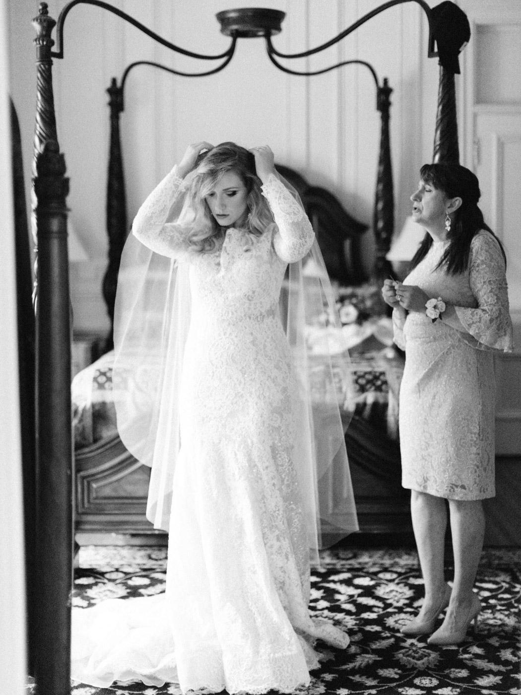 Toronto-wedding-photographer-intimate-classic-fine-art-elopement-ottawa24.jpg