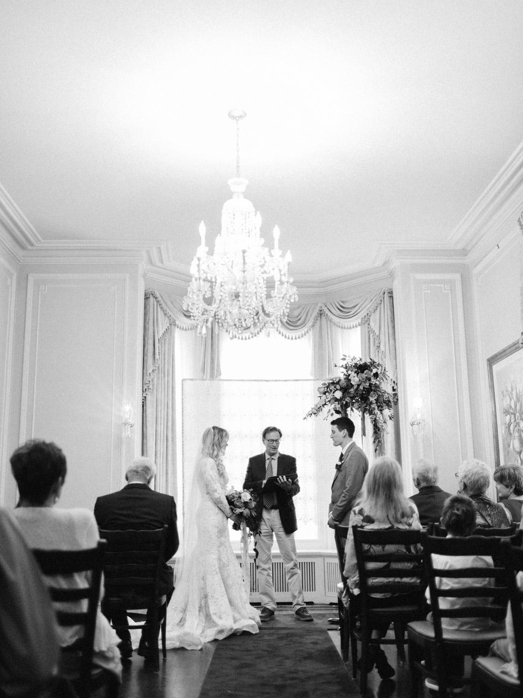 Toronto-wedding-photographer-intimate-classic-fine-art-elopement-ottawa27.jpg