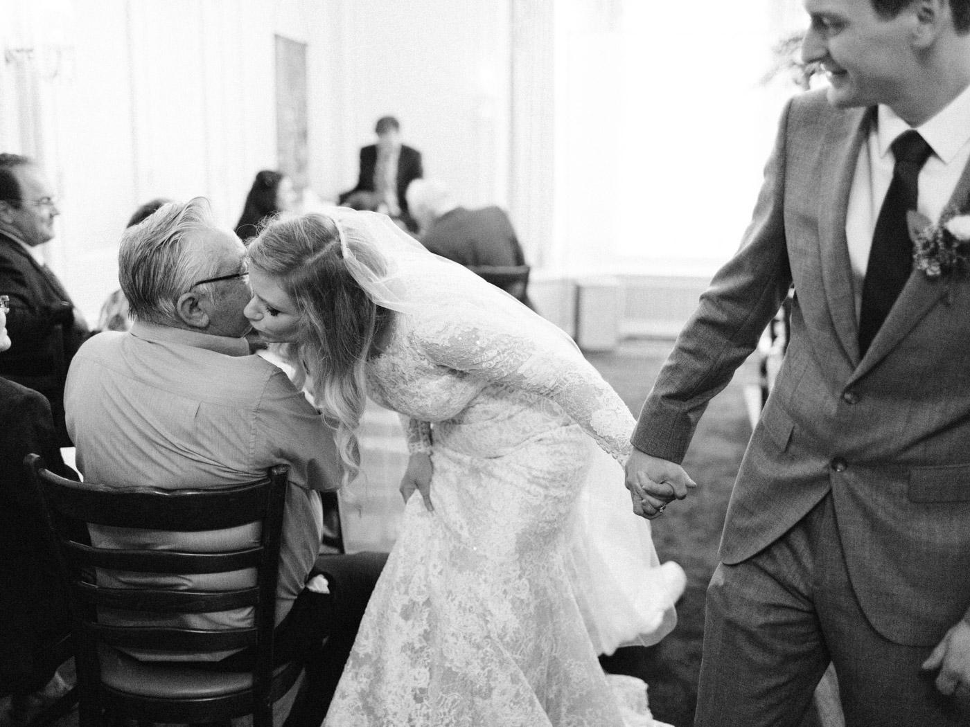 Toronto-wedding-photographer-intimate-classic-fine-art-elopement-ottawa34.jpg