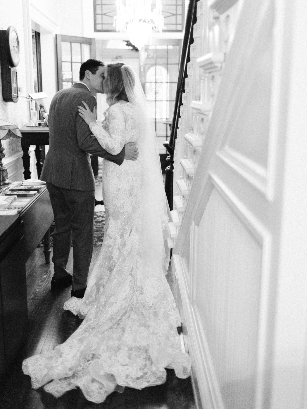 Toronto-wedding-photographer-intimate-classic-fine-art-elopement-ottawa36.jpg