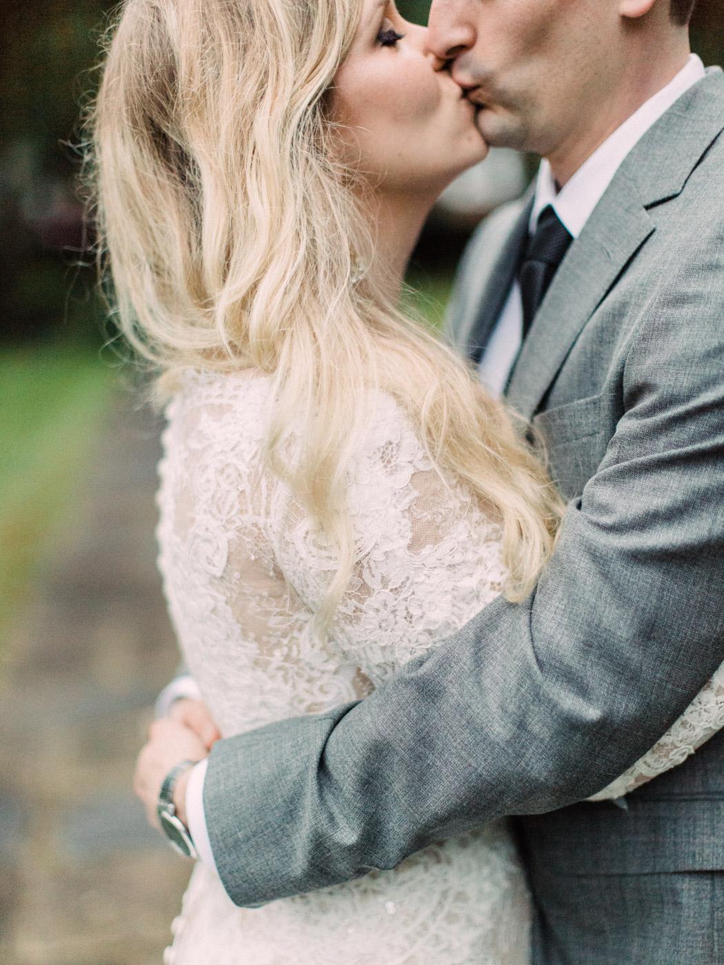 Toronto-wedding-photographer-intimate-classic-fine-art-elopement-ottawa92.jpg