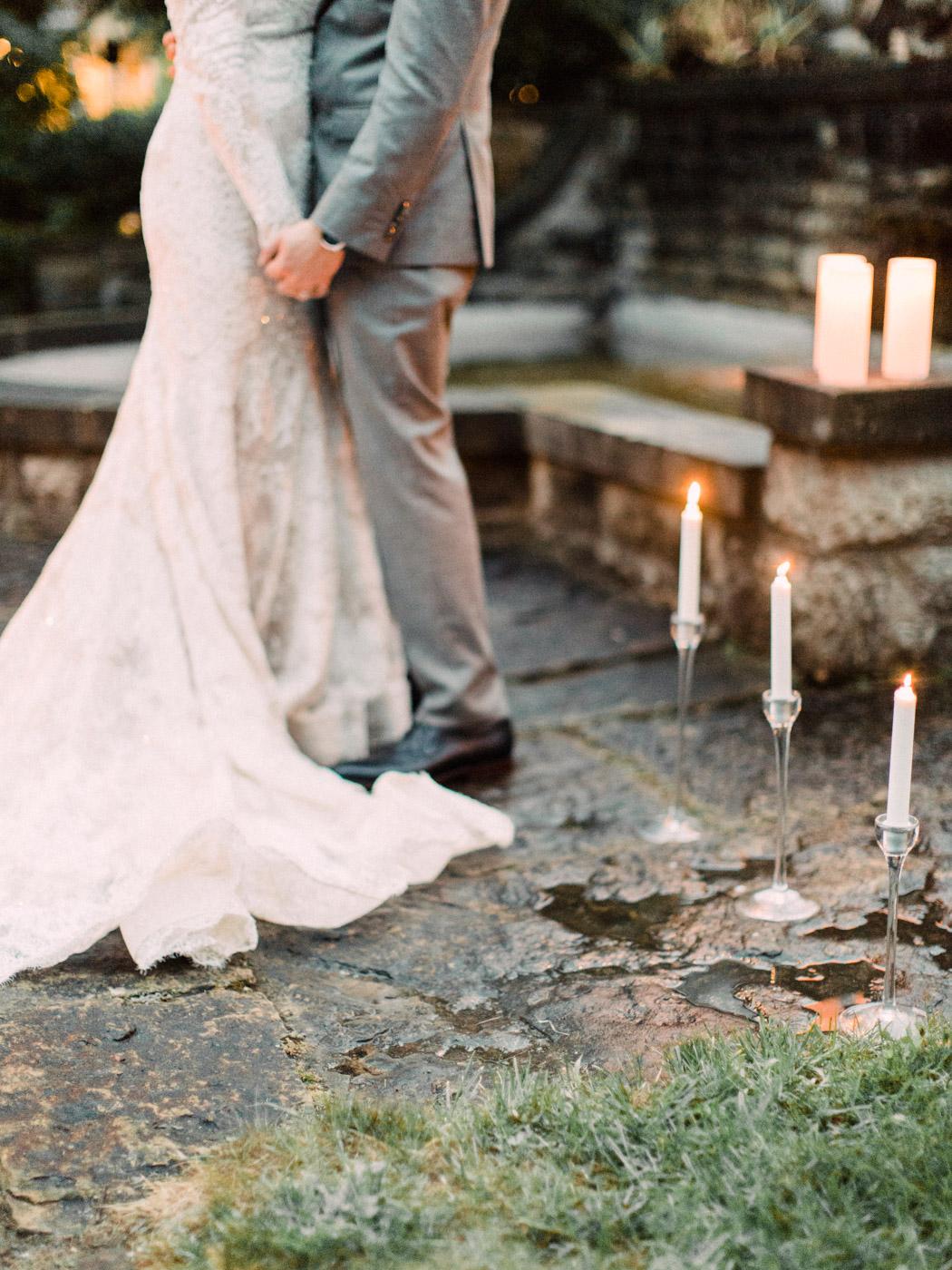 romantic wedding at a historic inn in Perth