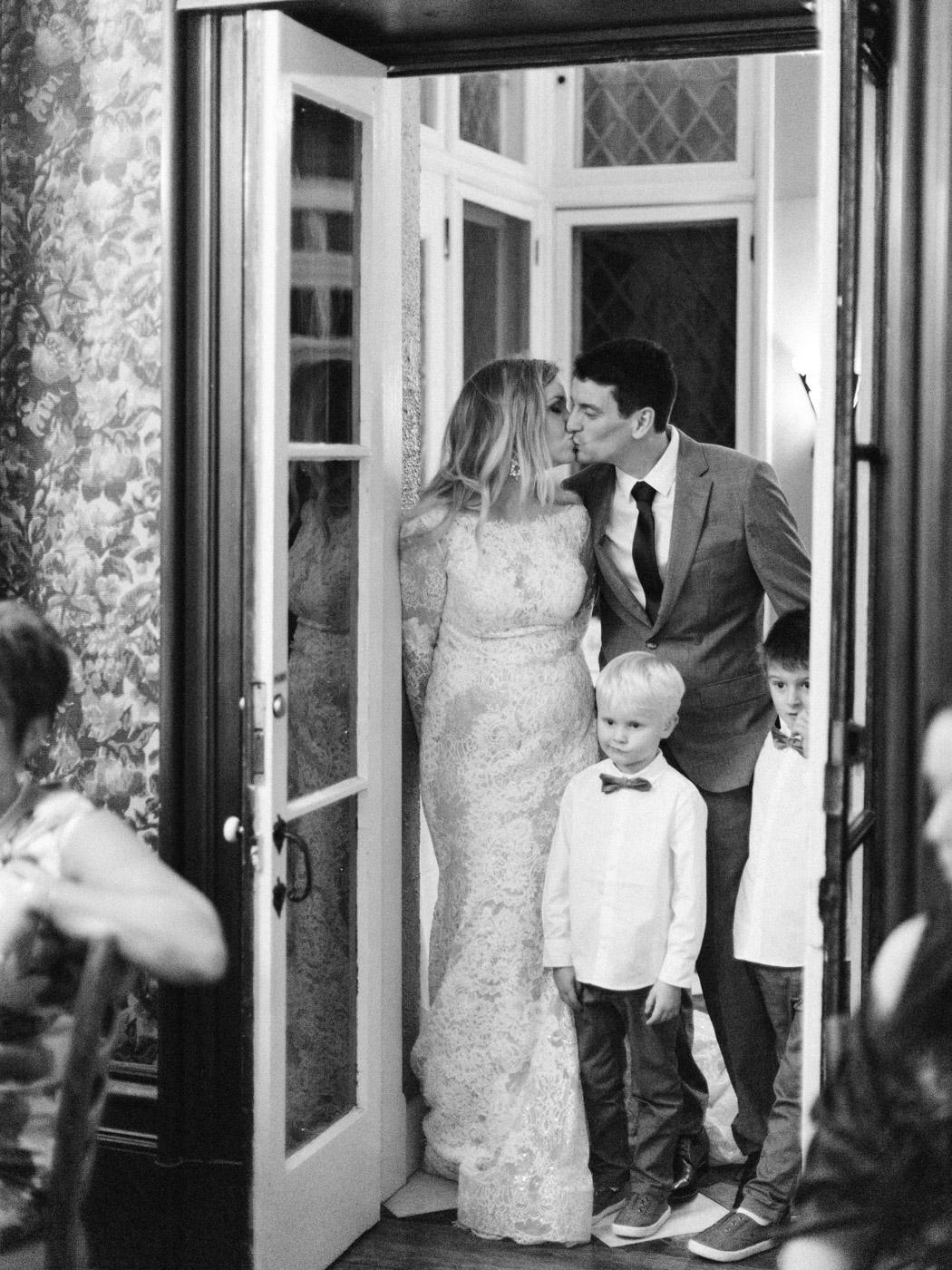 Toronto-wedding-photographer-intimate-classic-fine-art-elopement-ottawa98.jpg
