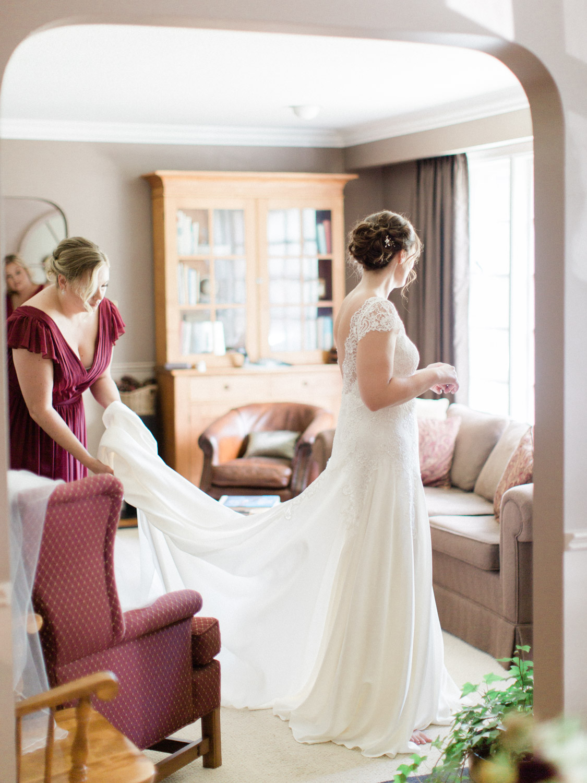 Toronto-wedding-photographer-the-doctors-house-kleinburg-classic-documentary7.jpg