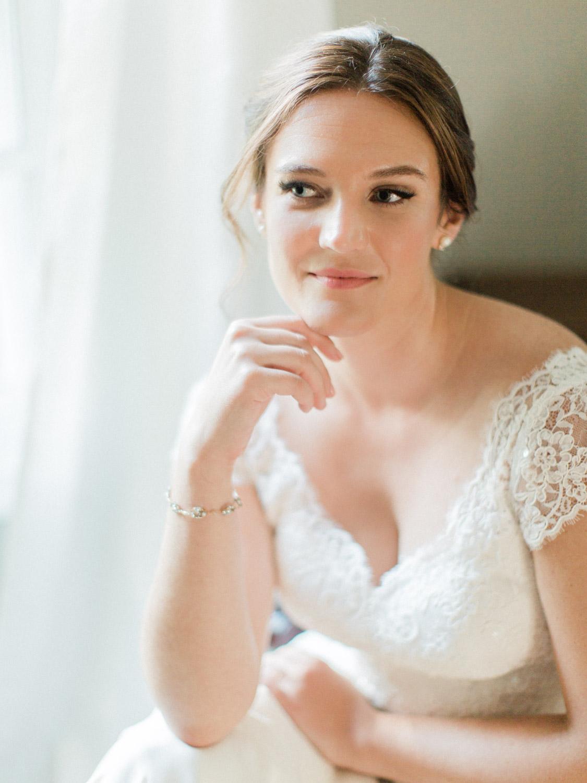 Toronto-wedding-photographer-the-doctors-house-kleinburg-classic-documentary32.jpg