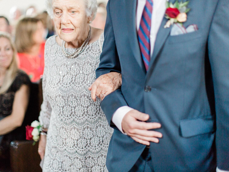 Toronto-wedding-photographer-the-doctors-house-kleinburg-classic-documentary37.jpg