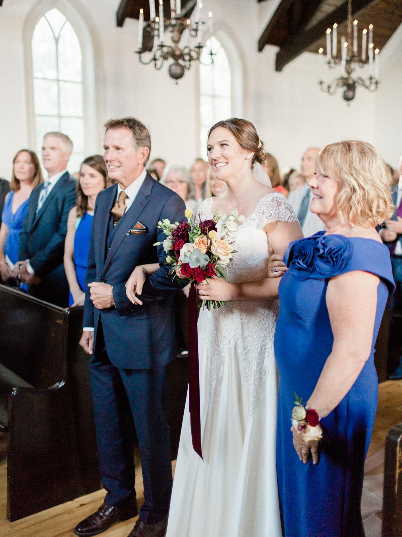 Toronto-wedding-photographer-the-doctors-house-kleinburg-classic-documentary43.jpg