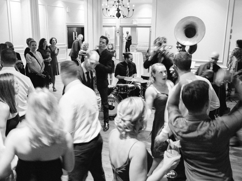 Toronto-wedding-photographer-the-doctors-house-kleinburg-classic-documentary116.jpg