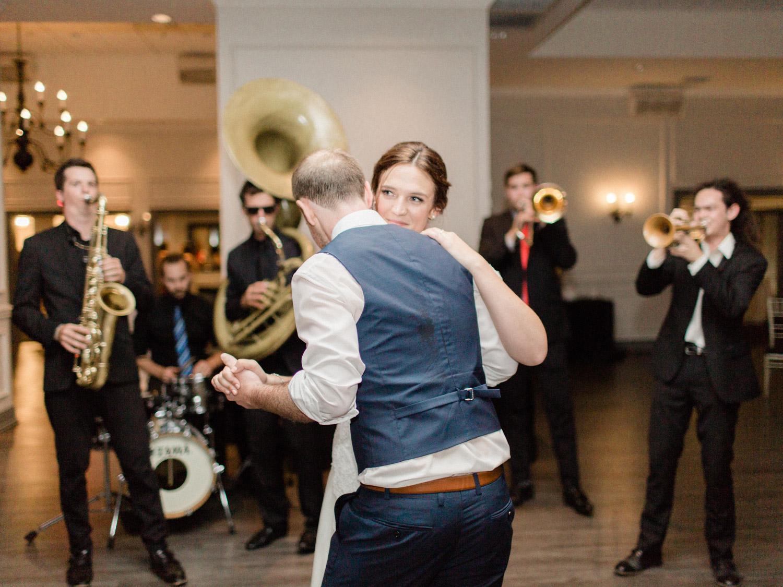 Toronto-wedding-photographer-the-doctors-house-kleinburg-classic-documentary119.jpg