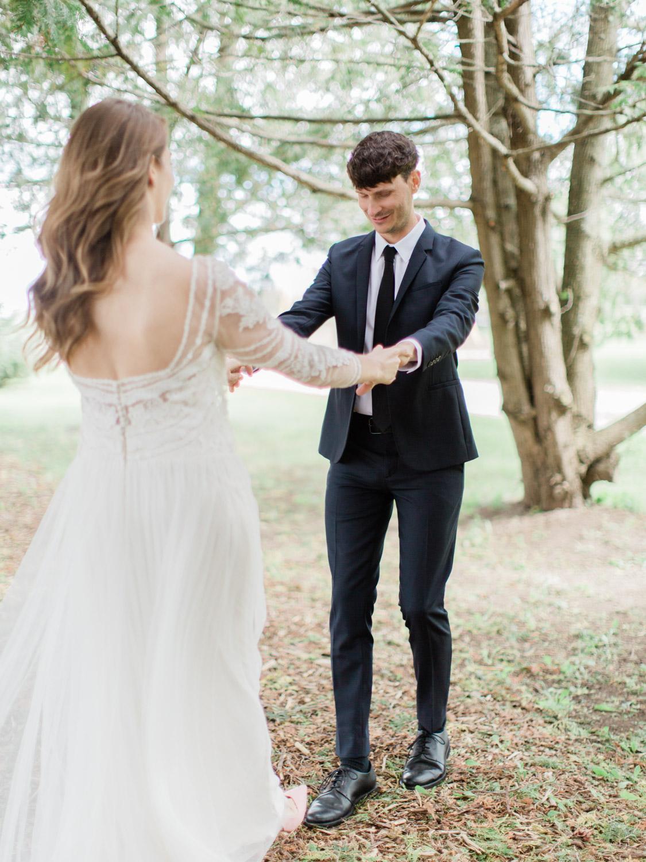 Toronto-Collingwood-Thornbury-wedding-photographer-documentary-private-estate-fall-wedding7.jpg