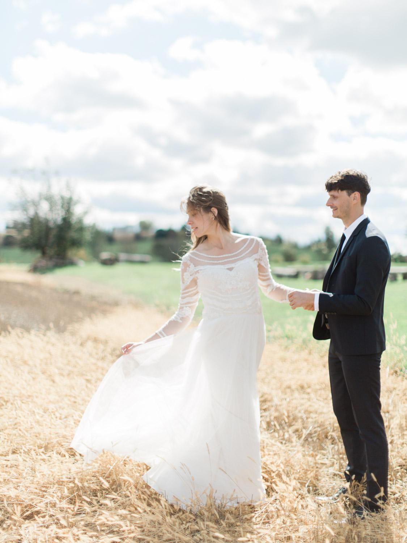 Toronto-Collingwood-Thornbury-wedding-photographer-documentary-private-estate-fall-wedding13.jpg