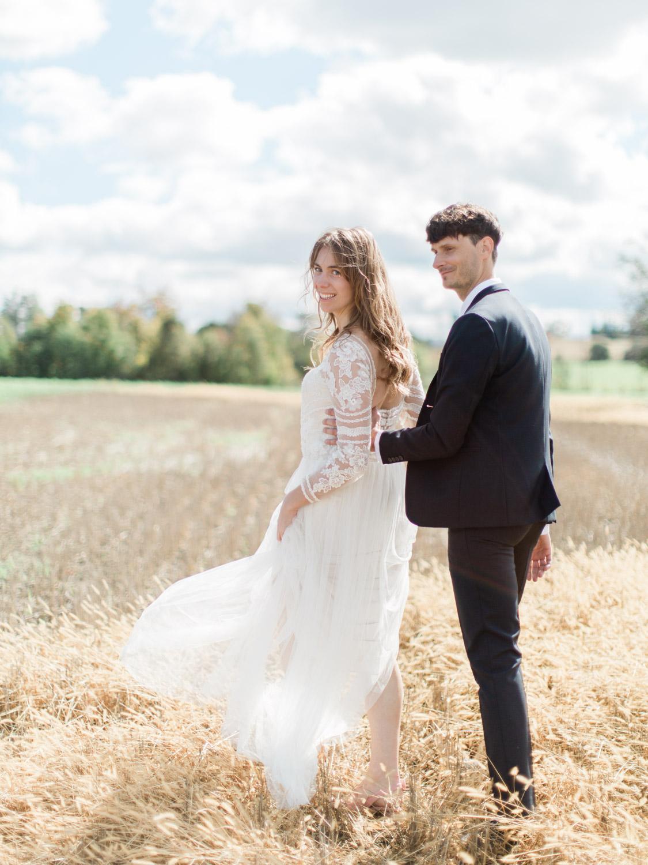 Toronto-Collingwood-Thornbury-wedding-photographer-documentary-private-estate-fall-wedding19.jpg
