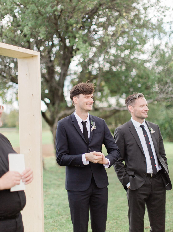 Toronto-Collingwood-Thornbury-wedding-photographer-documentary-private-estate-fall-wedding29.jpg