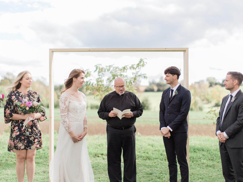 Toronto-Collingwood-Thornbury-wedding-photographer-documentary-private-estate-fall-wedding32.jpg