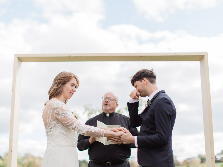 Toronto-Collingwood-Thornbury-wedding-photographer-documentary-private-estate-fall-wedding40.jpg