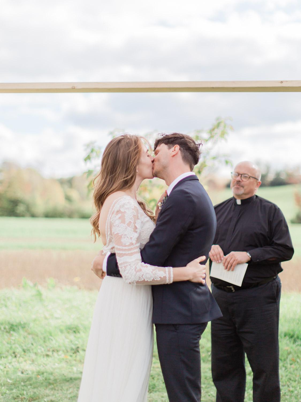 Toronto-Collingwood-Thornbury-wedding-photographer-documentary-private-estate-fall-wedding42.jpg