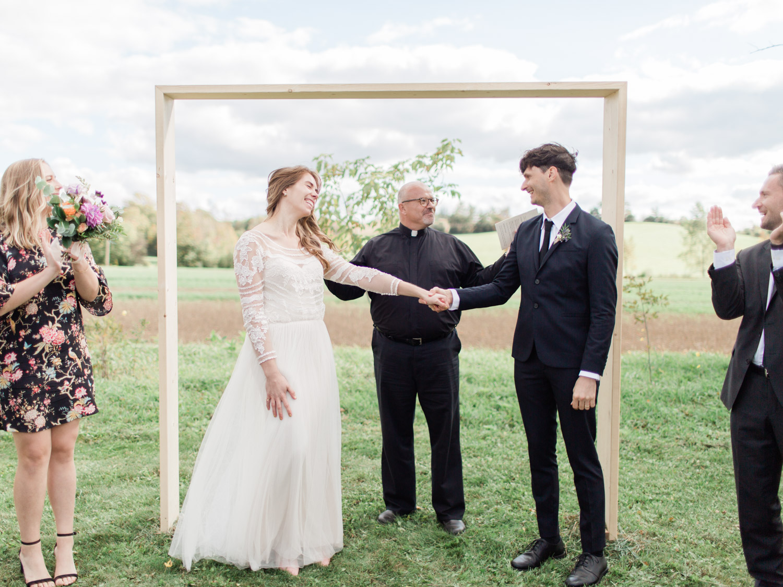 Toronto-Collingwood-Thornbury-wedding-photographer-documentary-private-estate-fall-wedding43.jpg
