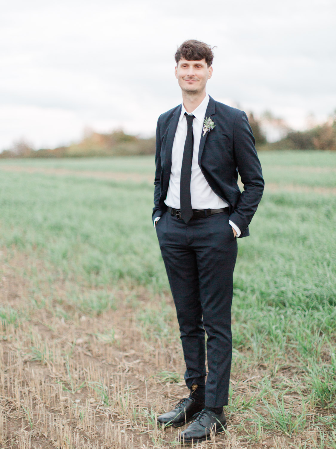 Toronto-Collingwood-Thornbury-wedding-photographer-documentary-private-estate-fall-wedding76.jpg