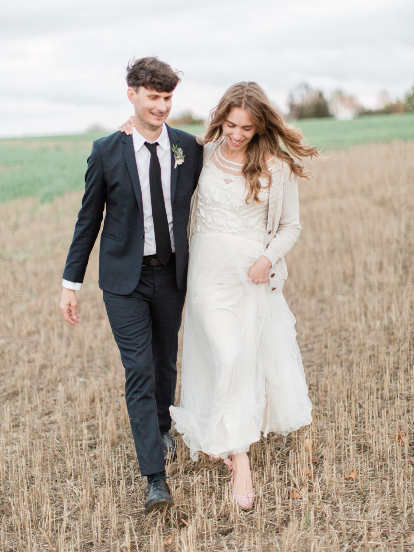 Toronto-Collingwood-Thornbury-wedding-photographer-documentary-private-estate-fall-wedding83.jpg