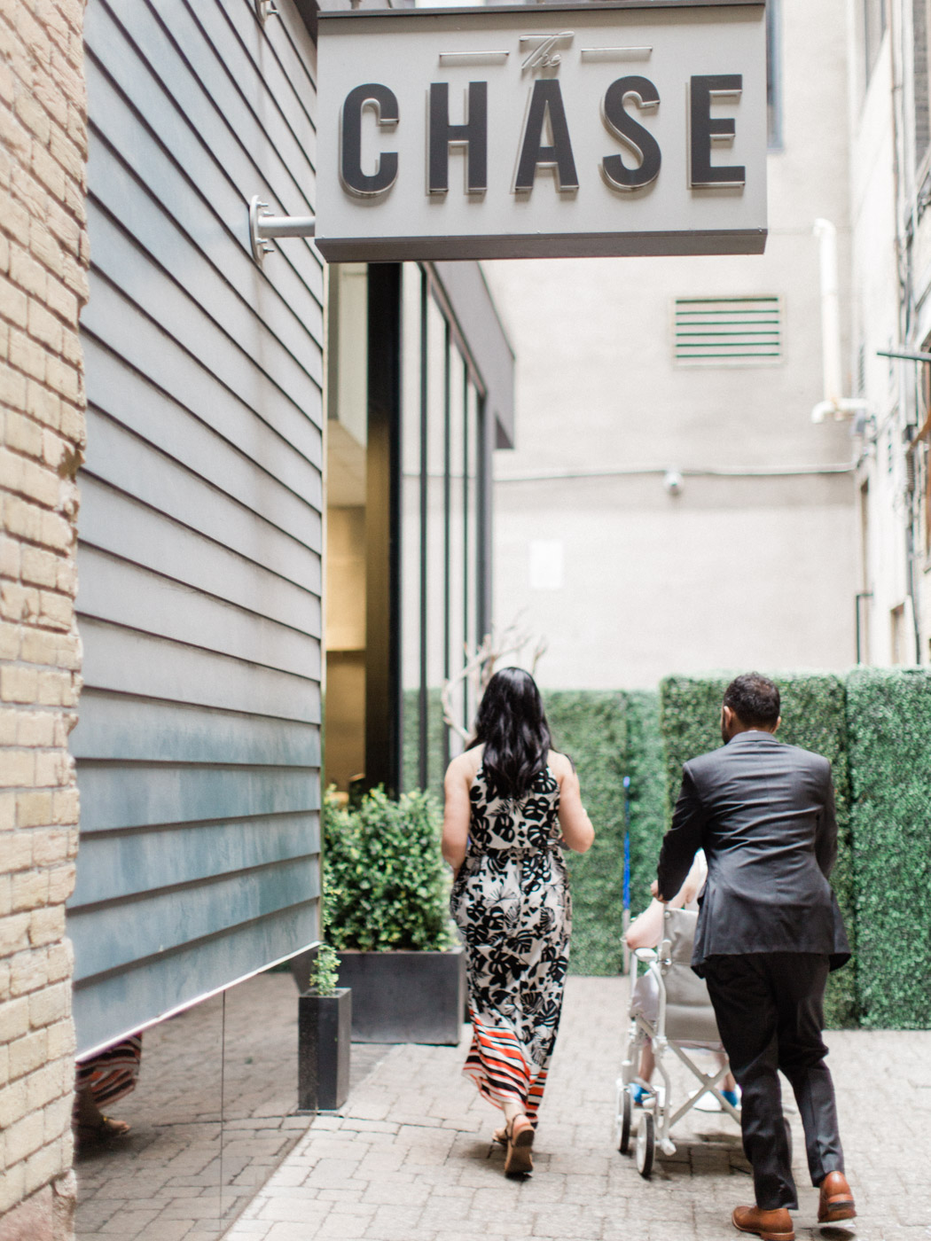 Toronto-wedding-photographer-intimate-restaurant-elopement-chase-oyster-downtown21.jpg