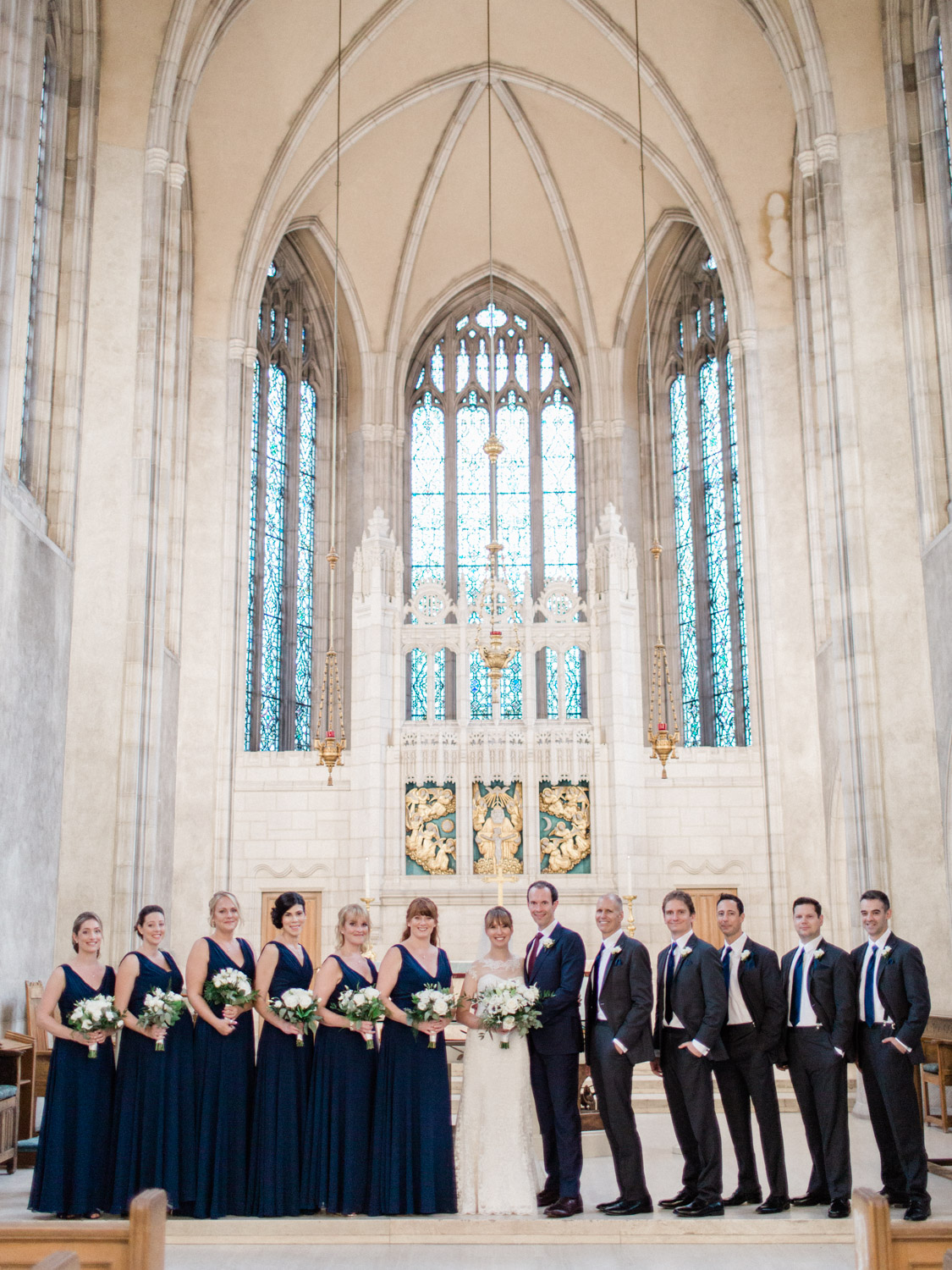 Toronwo-wedding-photographer-classic-documentary-downtown-wedding-the-royal-conservatory-trinity-chapel_uoft43.jpg