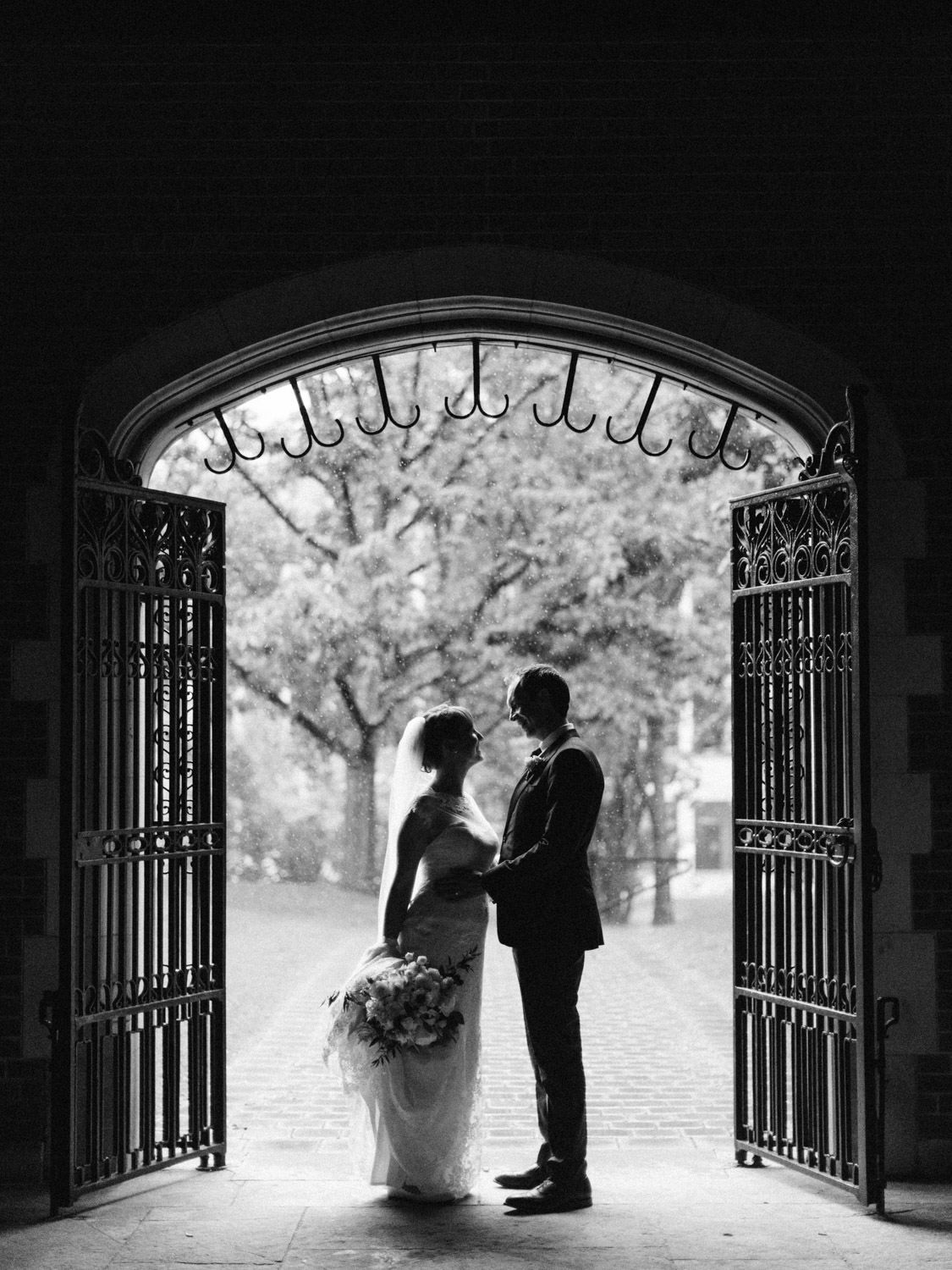 Toronwo-wedding-photographer-classic-documentary-downtown-wedding-the-royal-conservatory-trinity-chapel_uoft51.jpg