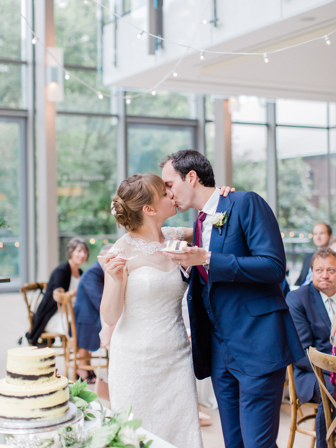 Toronwo-wedding-photographer-classic-documentary-downtown-wedding-the-royal-conservatory-trinity-chapel_uoft111.jpg
