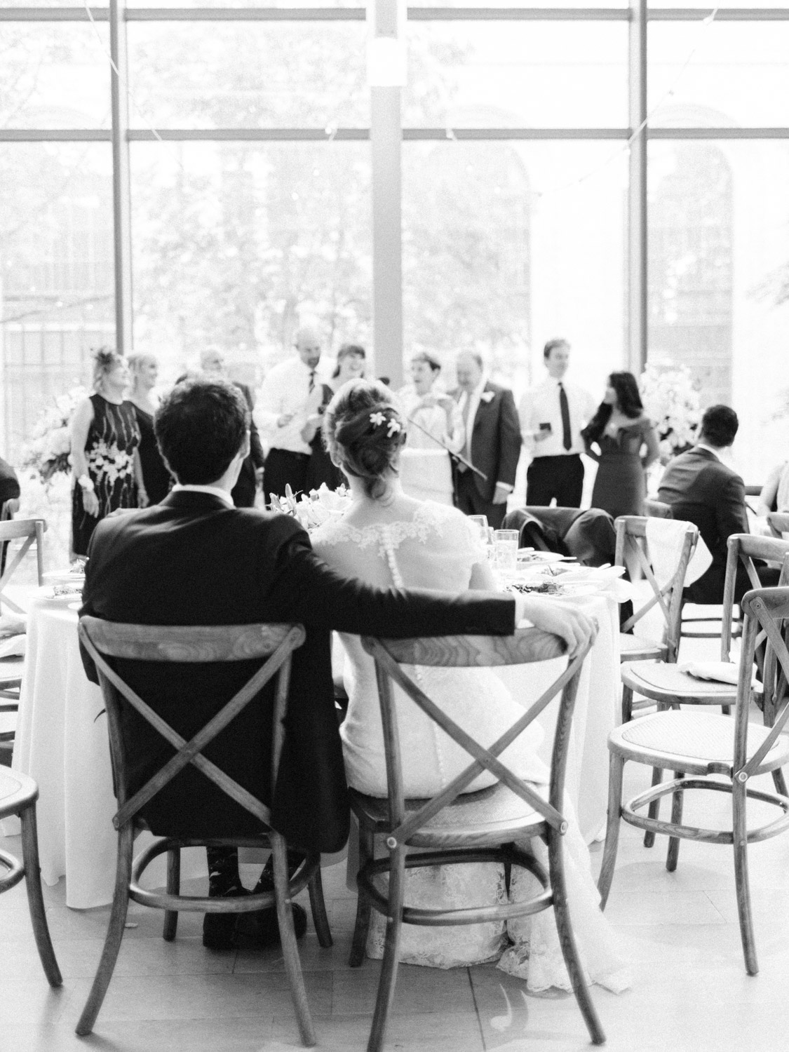 Toronwo-wedding-photographer-classic-documentary-downtown-wedding-the-royal-conservatory-trinity-chapel_uoft117.jpg