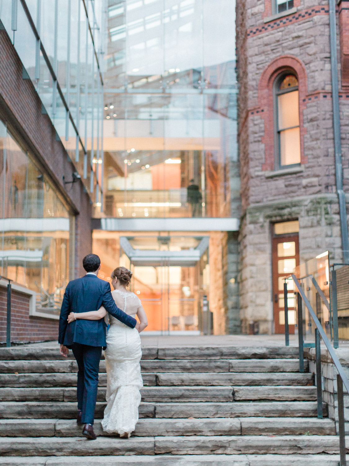 Toronwo-wedding-photographer-classic-documentary-downtown-wedding-the-royal-conservatory-trinity-chapel_uoft122.jpg