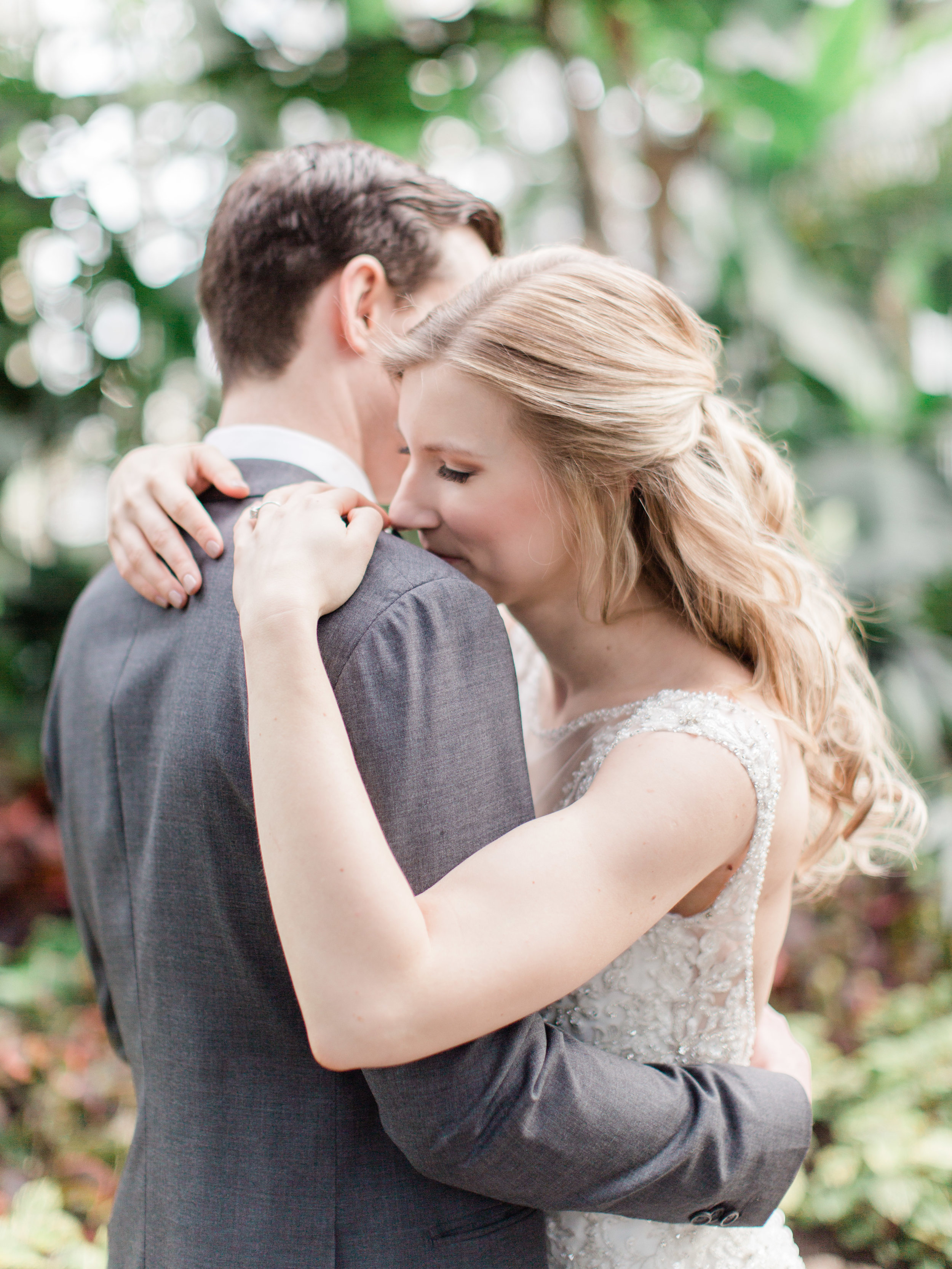 Toronto-wedding-photographer-downtown-winter-wedding-intimate-restaurant-canoe72.jpg
