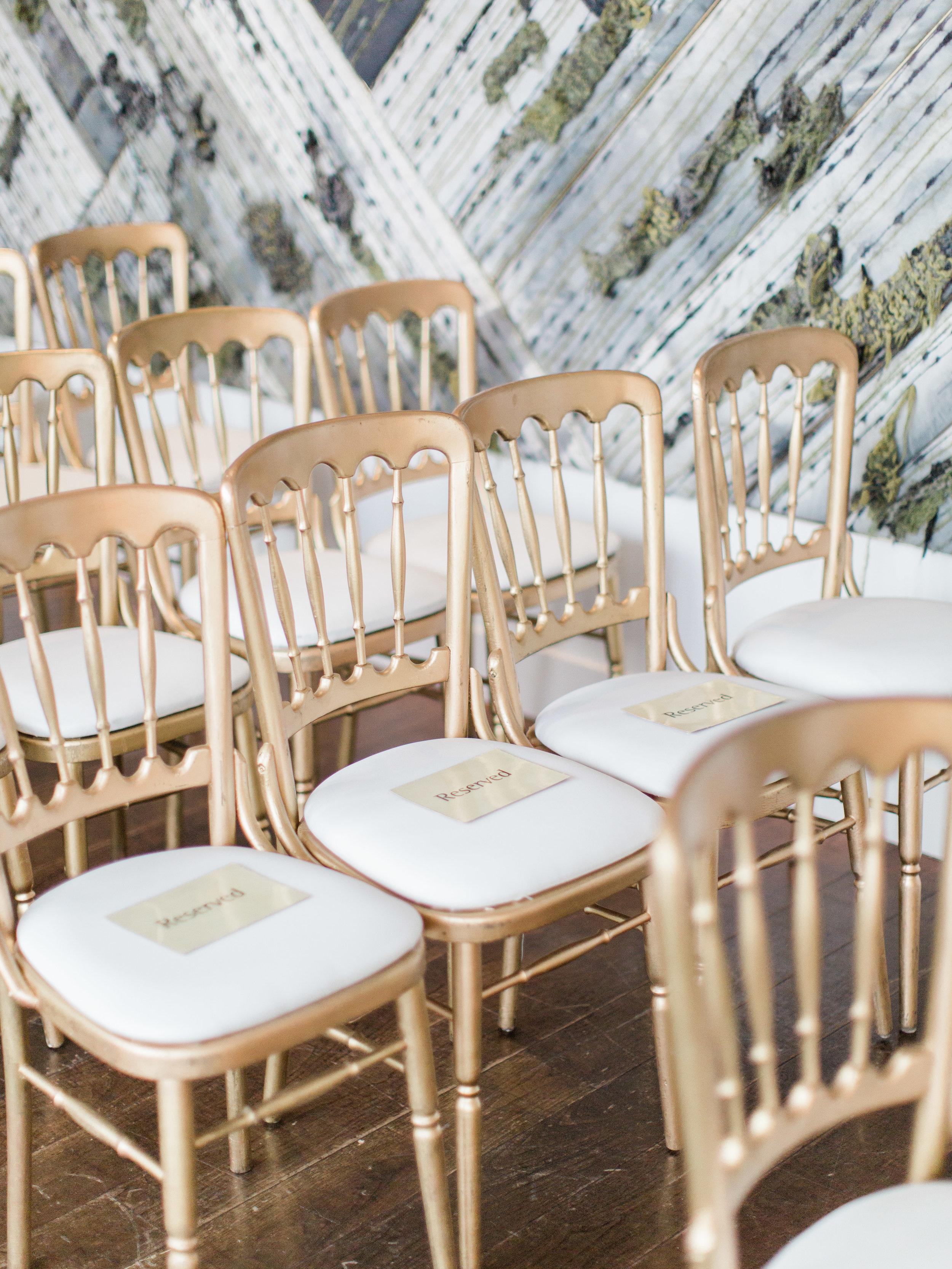 Toronto-wedding-photographer-downtown-winter-wedding-intimate-restaurant-canoe116.jpg