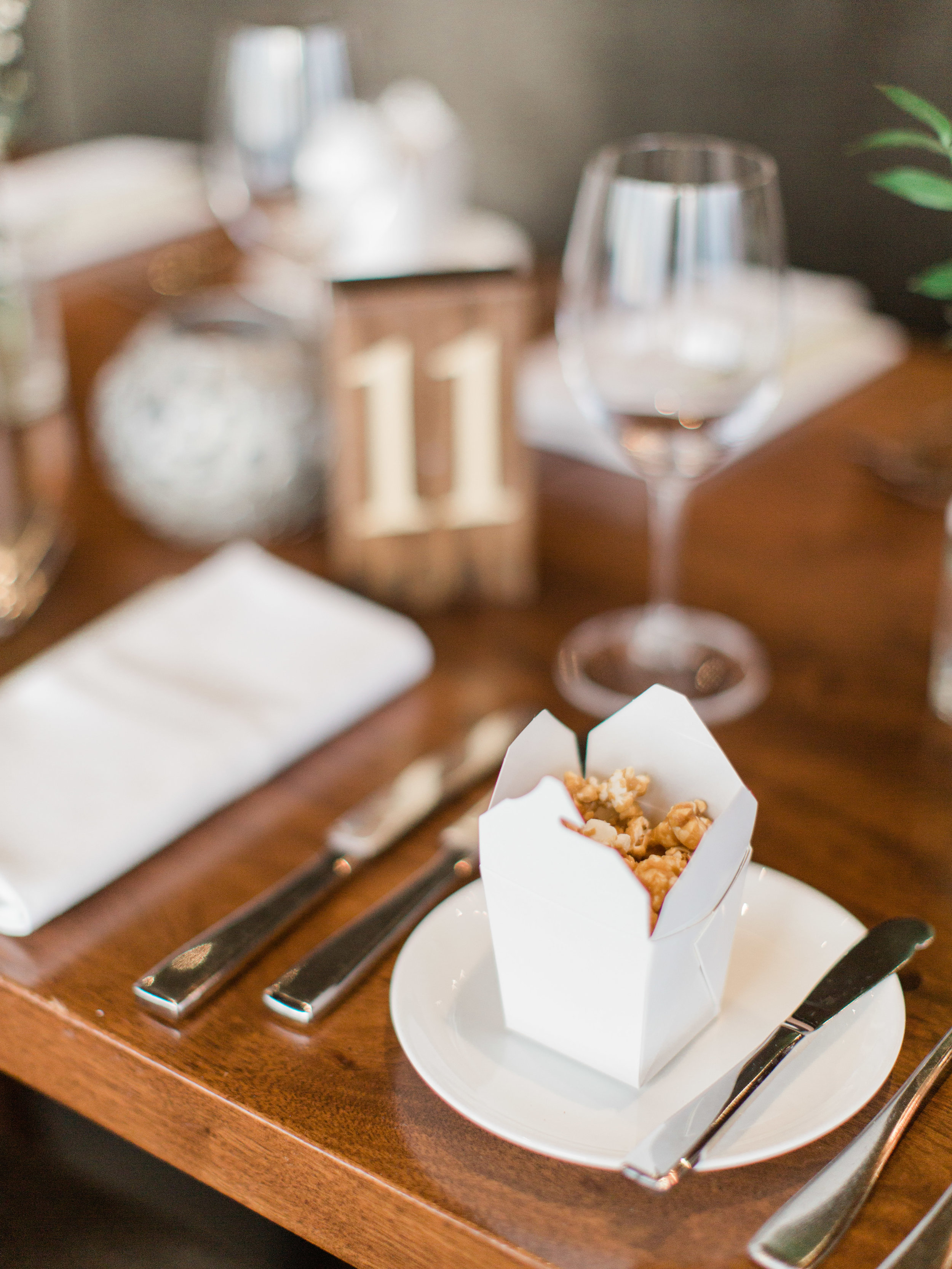 Toronto-wedding-photographer-downtown-winter-wedding-intimate-restaurant-canoe121.jpg