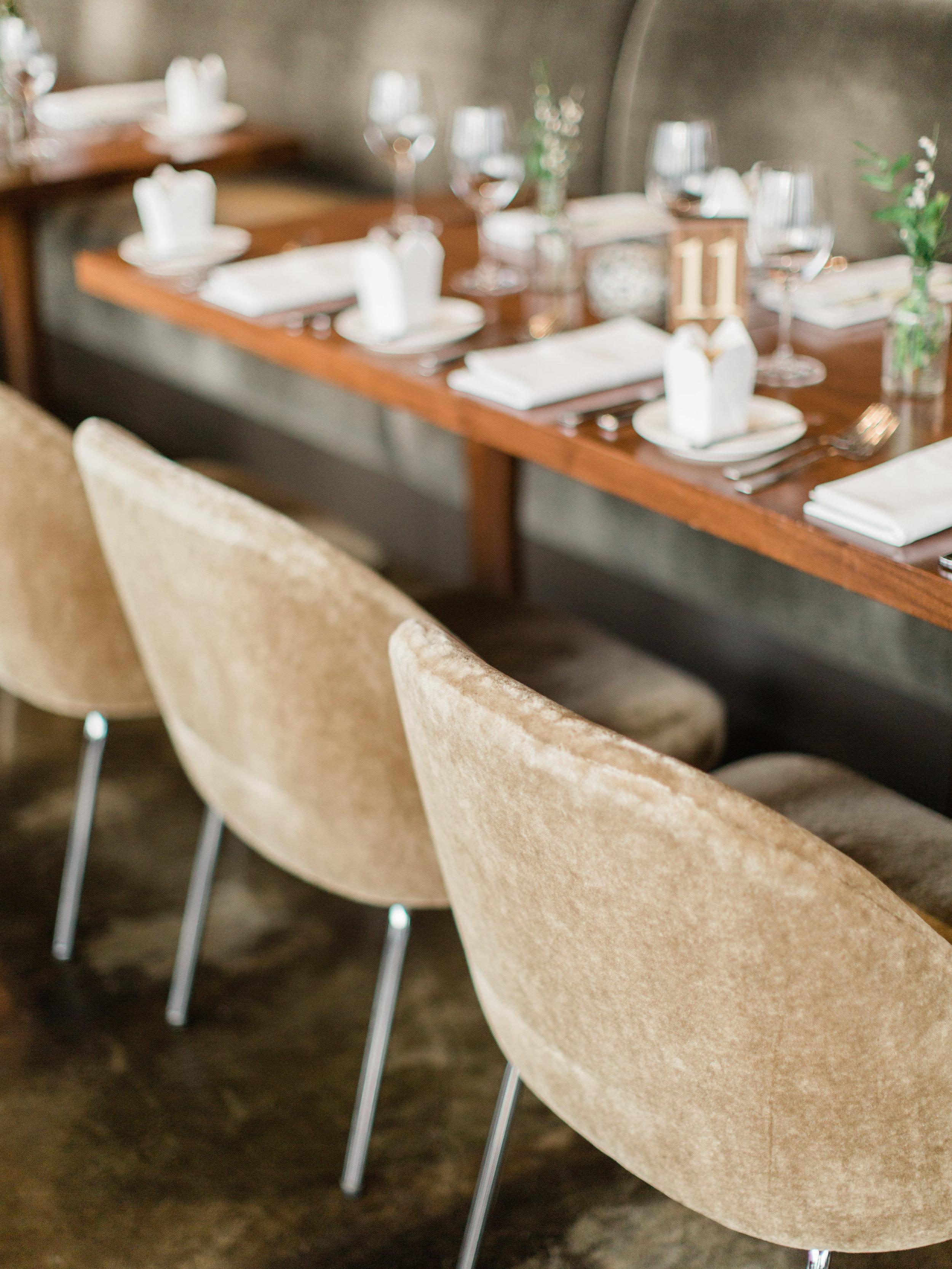 Toronto-wedding-photographer-downtown-winter-wedding-intimate-restaurant-canoe122.jpg