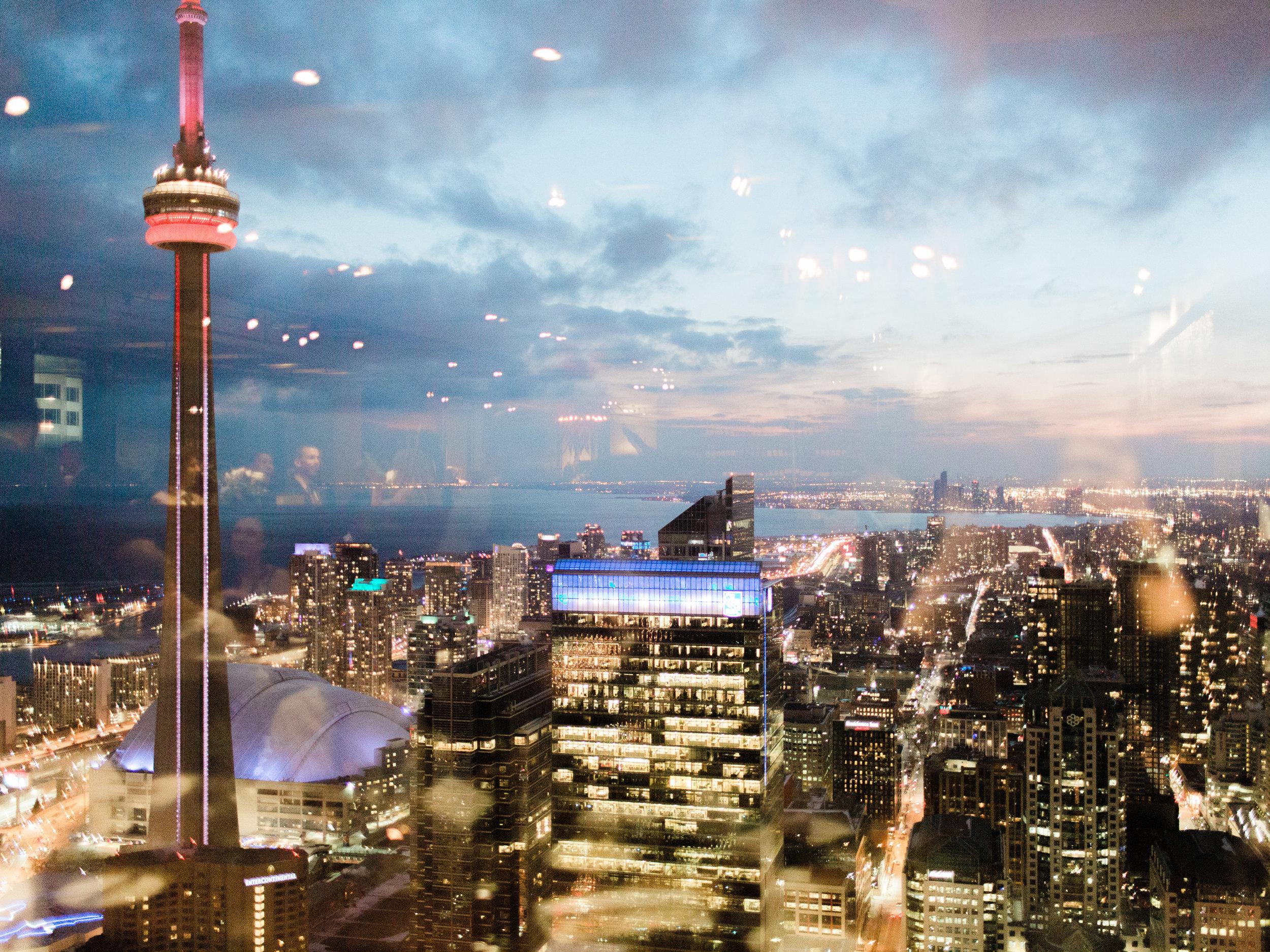 Toronto-wedding-photographer-downtown-winter-wedding-intimate-restaurant-canoe158.jpg