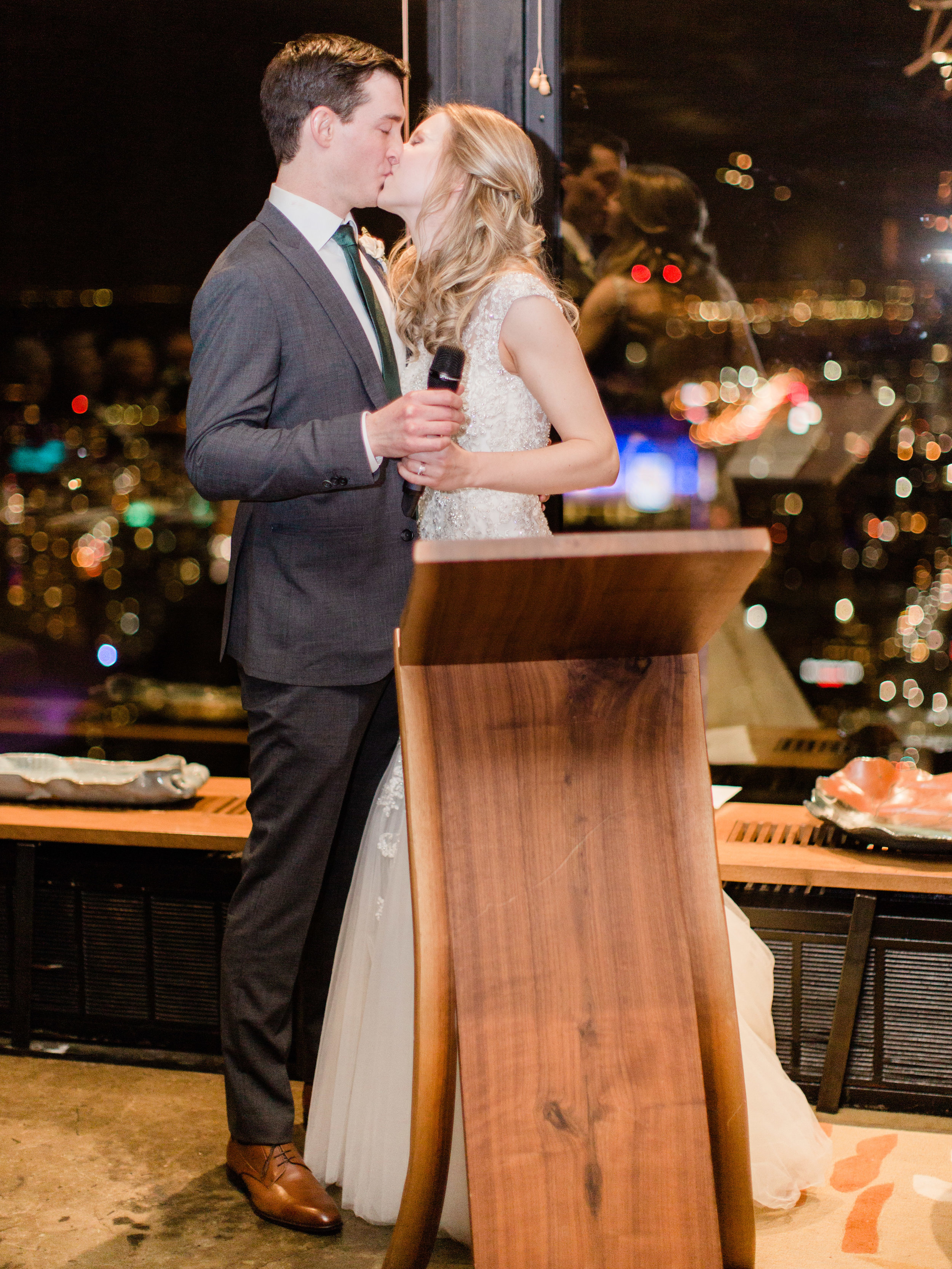 Toronto-wedding-photographer-downtown-winter-wedding-intimate-restaurant-canoe170.jpg