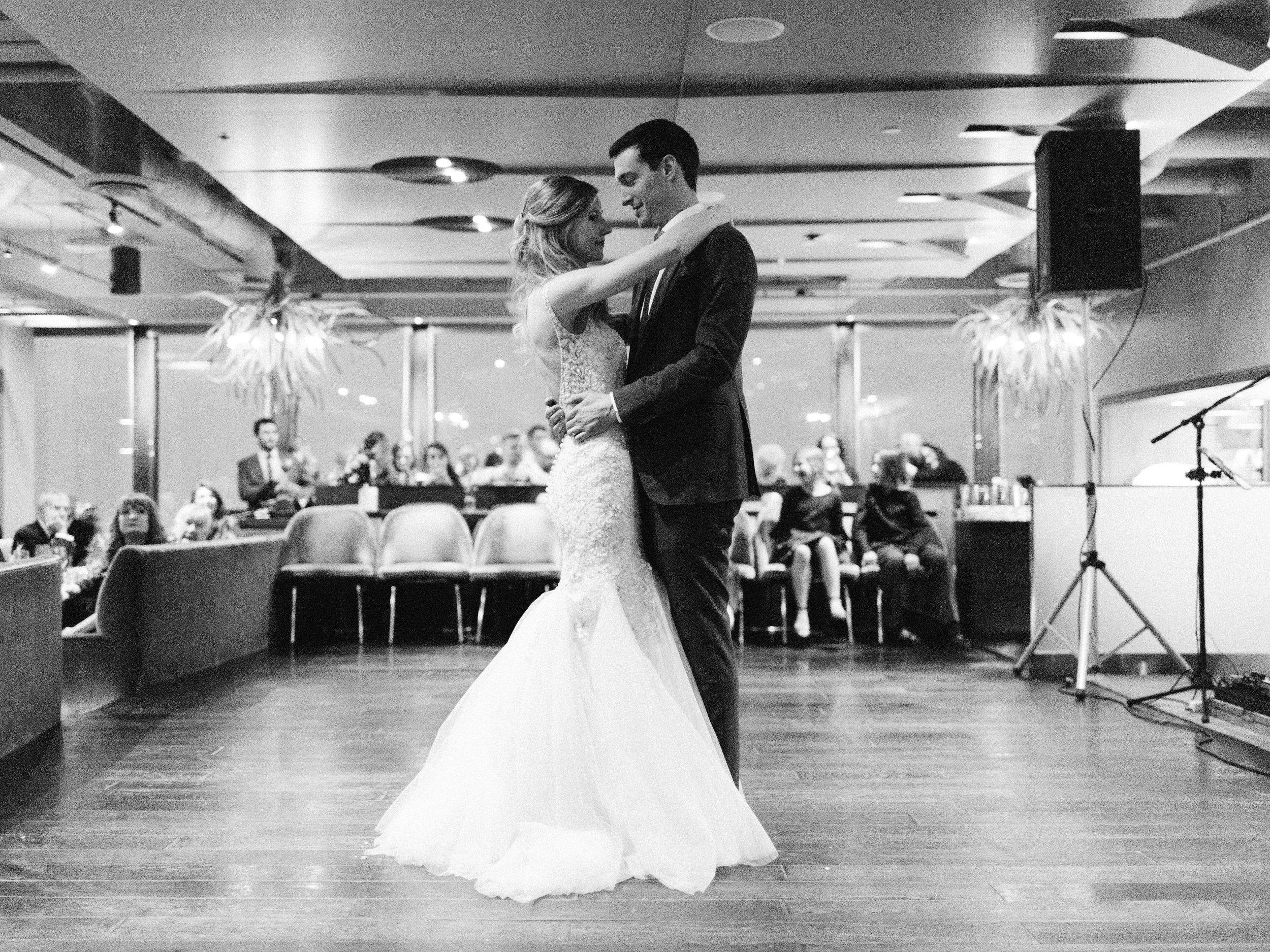 Toronto-wedding-photographer-downtown-winter-wedding-intimate-restaurant-canoe183.jpg