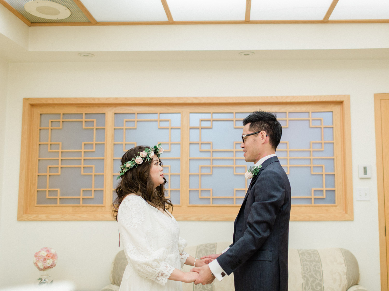 Toronto-wedding-photographer-classic-documentary-chinese-buddhist-wedding-fall64.jpg