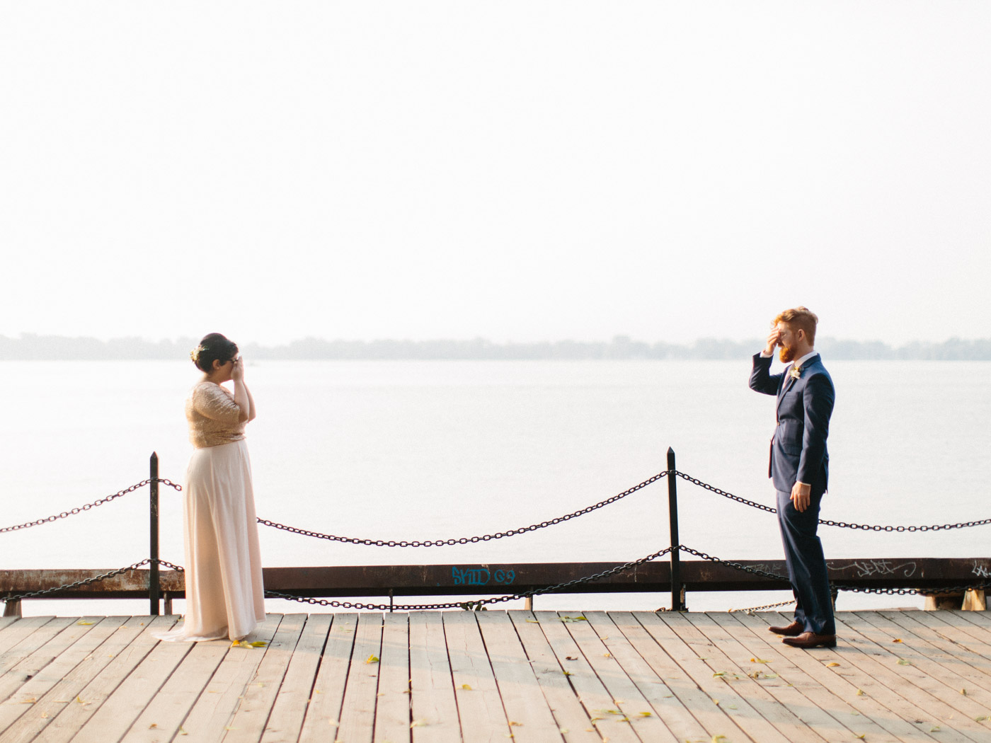 Toronto-Collingwood-Muskoka-Wedding-photographer-planning-first-look2.jpg
