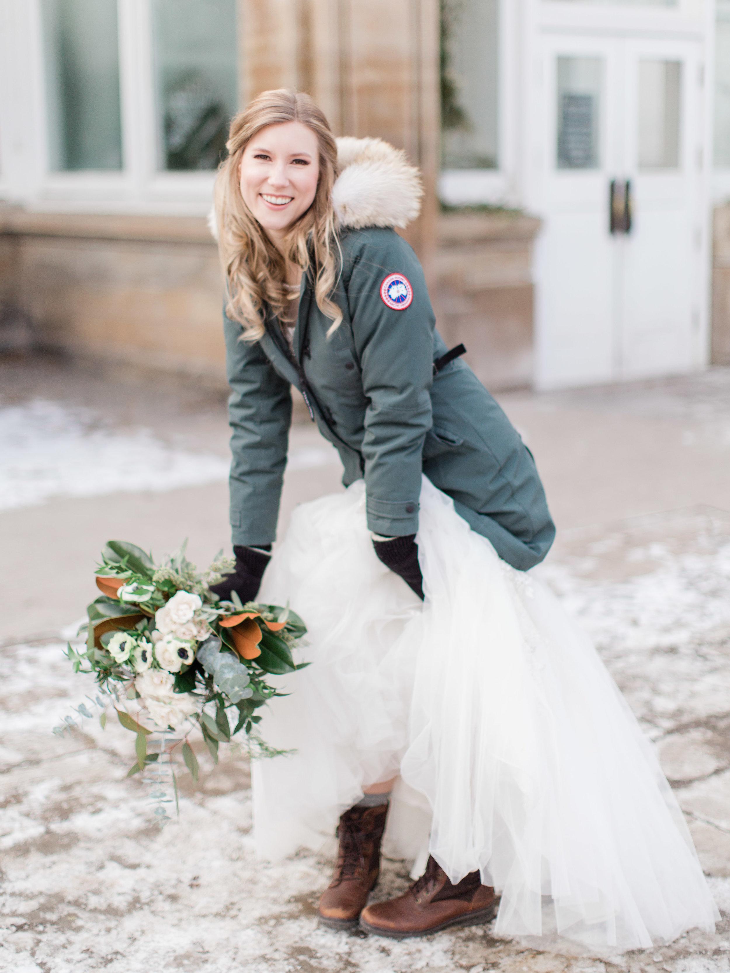 Toronto-Collingwood-Muskoka-Wedding-photographer-planning-tips-for-your-winter-wedding1.jpg