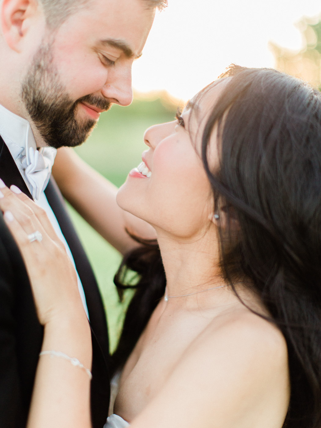 Toronto-Collingwood-Muskoka-Wedding-photographer-how-to-capture-great-couples-photos-on-your-wedding-day7.jpg