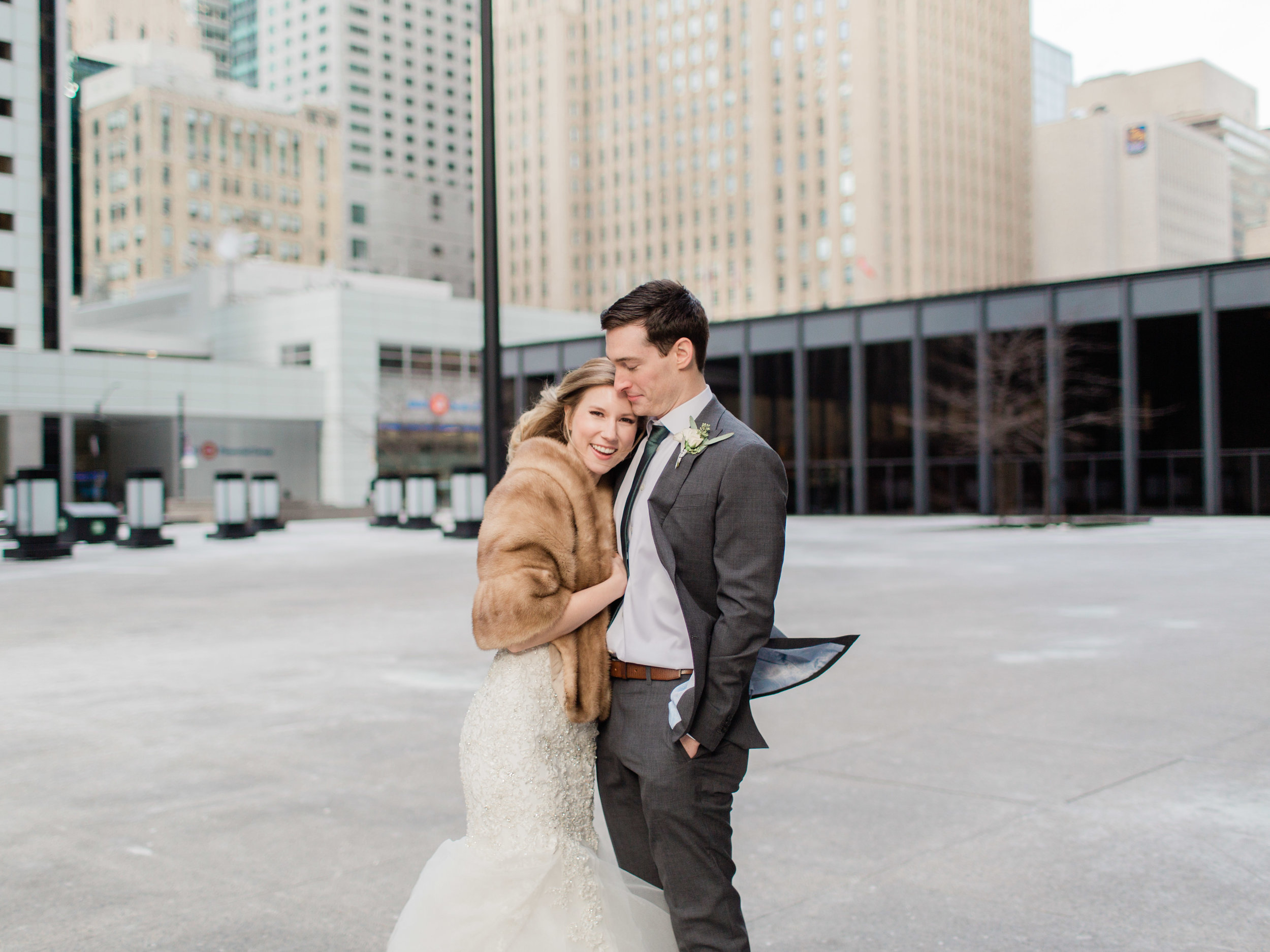 Toronto-Collingwood-Muskoka-Wedding-photographer-how-to-capture-great-couples-photos-on-your-wedding-day5.jpg