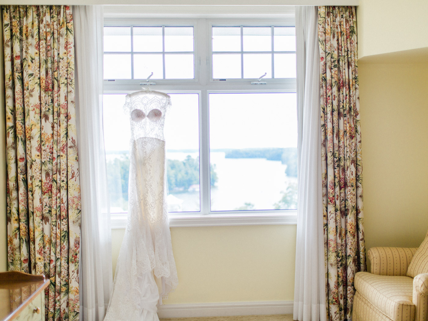 Fine art photography of wedding details. Captured by Muskoka wedding photographer Corynn Fowler Photography.