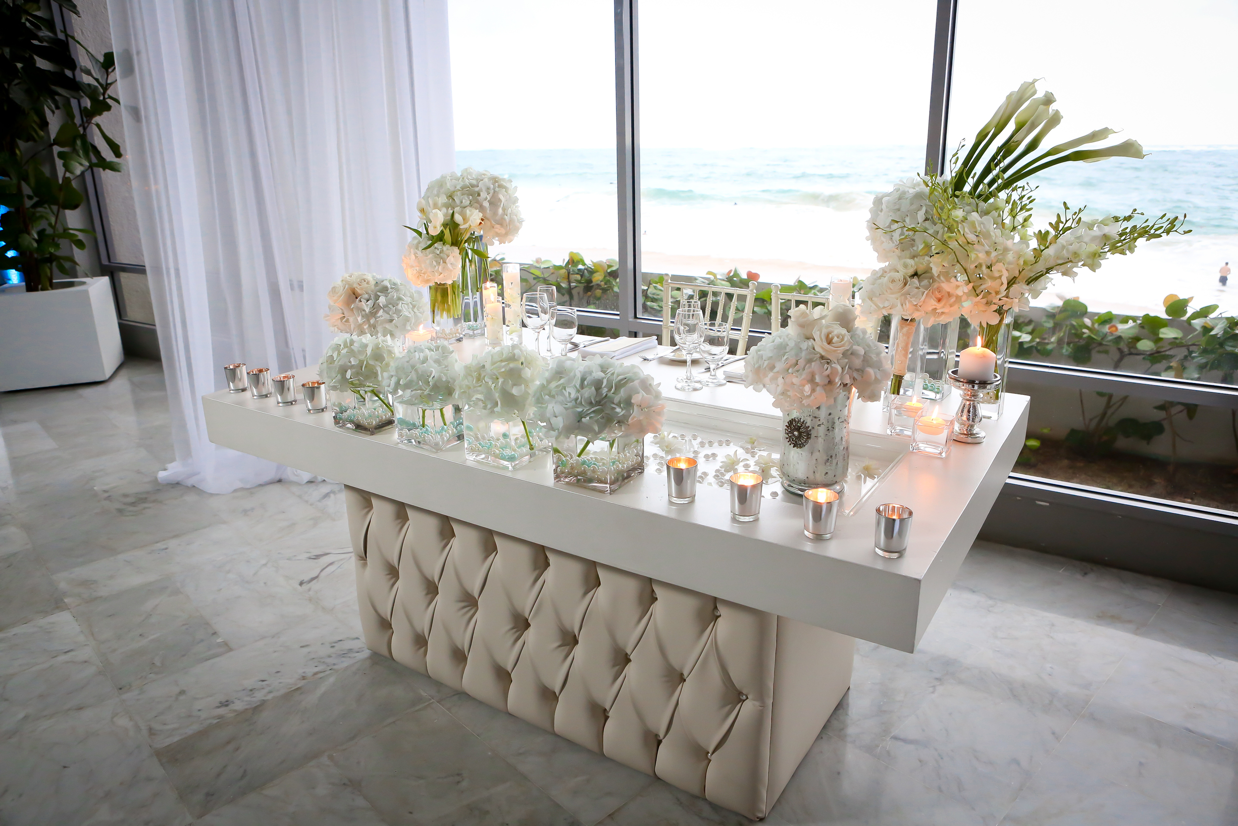 Pear Ivory Tufted Couple's Table